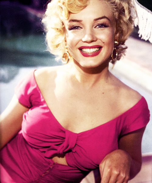 marilyn monroe niagara pink smile